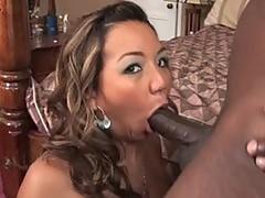 Keanni Lei on hard rock black cock