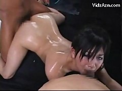 Girl with oiled body getting her pussy fucked by 2 guys cum
