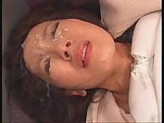 Japanese girls love to take facials
