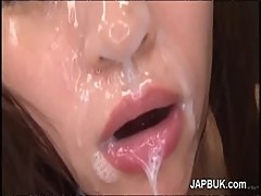 Extreme facial bukkake on japanese girl