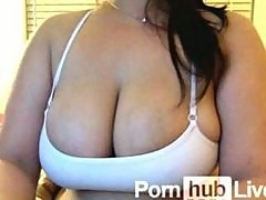 AsianGirlHugeDD From Pornhublive Loves To Play