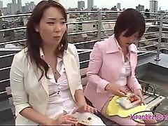 2 Office Ladies Eating Kissing Passionately Sucking Tounges Patting On The Roof